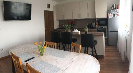 Len u nás v ponuke: Predaj 5 izbového bytu s terasou a garážou v novostavbe na Podunajskej ulici v Ružinove