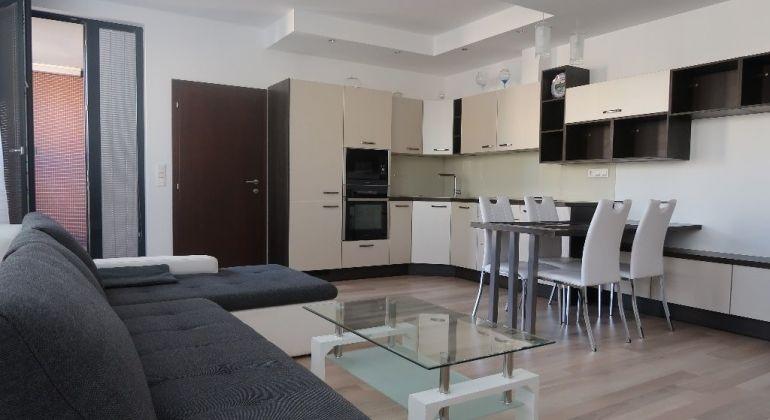 Prenájom 3 izbový byt Bratislava-Ružinov, Košická ulica