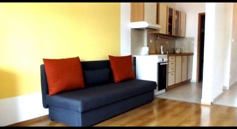 Prenájom 2 izbový byt Bratislava-Ružinov, Hrachová ulica