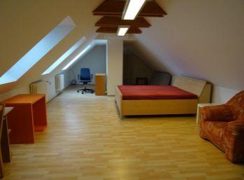 4 izb podkrovný byt v Starom Meste