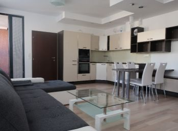 Nadštandardný 3 izbový byt vo Viktórii
