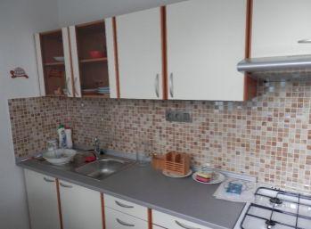 Veľký 2 izbový byt v Ružinove