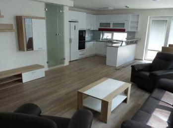 Klimatizovaný 4 izbový byt so záhradkou a parkovaním