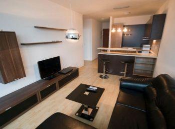 Exkluzívny 2 izbový byt v Troch vežiach