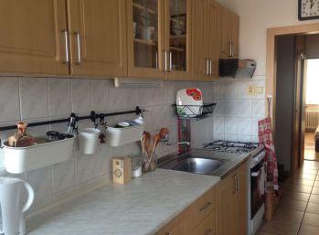 Prenájom 3.izb veľkometrážneho bytu v Nitre na Chrenovej - 3x samostatná izba