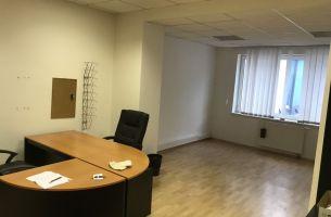 Kancelárske priestory 3 miestnosti, 72m2, parkovanie, Na úvrati, Bratislava II, 475,-e bez energií