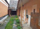 --PBS-- ++Starší rodinný dom 4+1 na rekonštrukciu, pozemok o výmere 1201 m2, obec Dolná Krupá++
