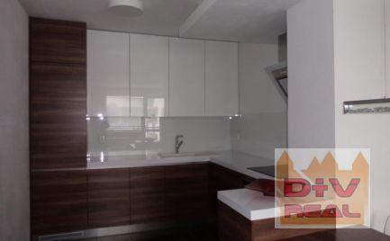 Prenájom: 3 izbový byt, Stupava, Cementárenská ulica, zariadený, parkovanie, balkón