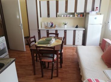 Rodinný dom s altánkom, 942 m2, Kolárovice