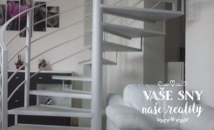 Na predaj zaujímavý zariadený mezonetový 3 izbový byt v centre Trenčína na Olbrachtovej ulici