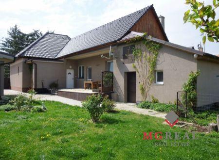Rezervované -Rodinný dom Rajčany - po rekonštrukcii - možnosť podnikania