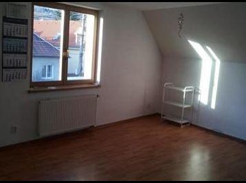 Veľký 2 izbový byt v Rači vhodný aj na kancelárske účely