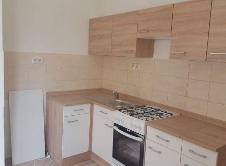 2 izbový byt Topoľčany / centrum