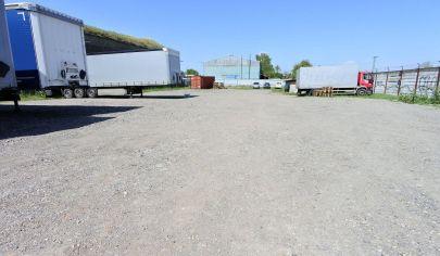 Exkluzívne v APEX reality - pozemok s výmerou 2779 m2 v Leopoldove na komerčné využitie