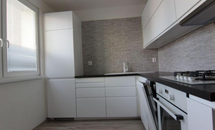 Najväčší 3 izbový byt v Petržalke, s dvomi lodžiami
