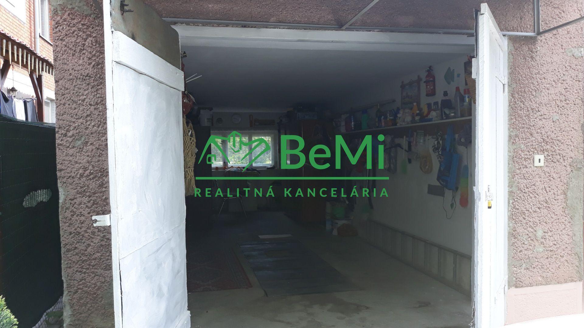 22caf1cf6 Tehlový dom Bošany, pokojná lokalita, záhradka, garáž