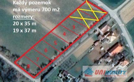 BÁNOVCE nad BEBRAVOU – obec ŠIŠOV / 6 pozemkov každý o výmere 700 m2 na stavbu DOMU