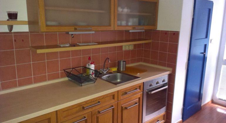 Predaj 2 izbový byt Bratislava-Nové Mesto, Námestie Biely Kríž