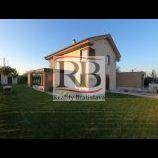 Na predaj slnečný 5i rodinný dom v obci Dunajská Lužná