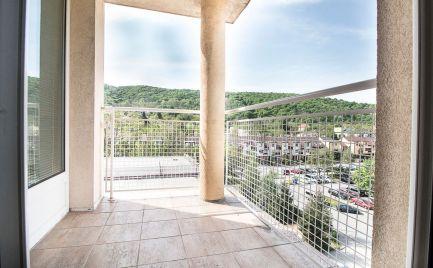 DOM-REALÍT - REZERVOVANÝ ponúka, Slnečný 39m2 1izbový byt s balkónom