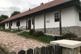 MAĎARSKO - IROTA 2 IZBOVÁ LUXUSNÁ CHALUPA, KRÁSNA PRÍRODA.