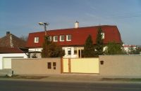 Exkluzívny predaj viac-generačného rodinného domu v centre Pezinka vhodný aj na podnikanie.