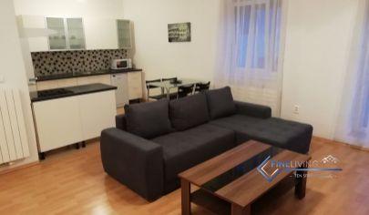 Klimatizovaný 2 - izb. byt v novostavbe s parkovacím miestom