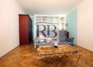 Na prenájom 1 izbový byt na Ventúrskej ulici v Starom Meste