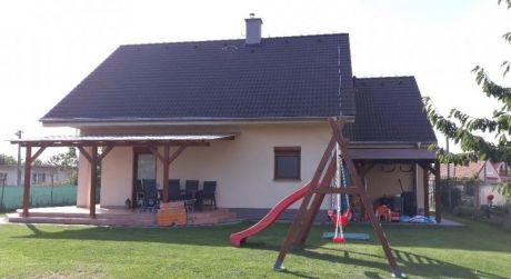 Kuchárek-real: Ponúkame 5 izbový rodinný dom v obci Tureň.