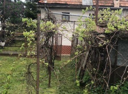 Rodinný dom s pozemkom na predaj!