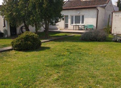 Ponúkame Vám na predaj rodinný dom Bratislava- Devinská Nová Ves.