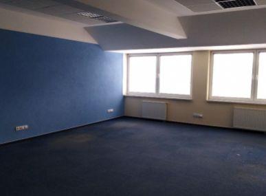Prenájom kancelárskeho priestoru v centre Popradu.