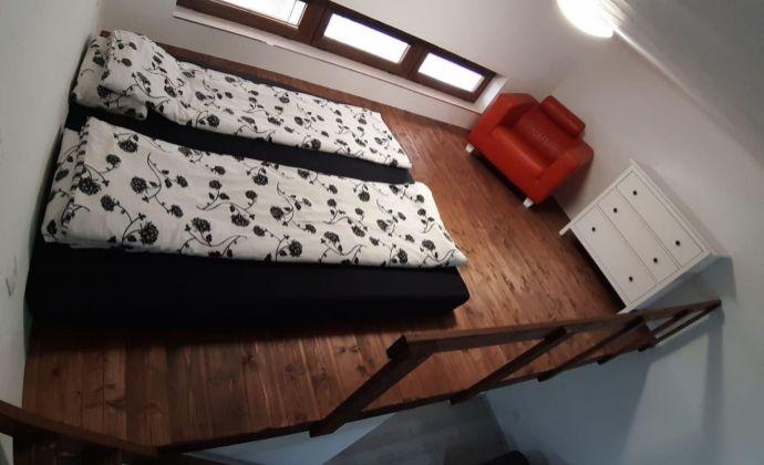 Aktuálne práve teraz - priestranný 1 izbový byt, kompletná rekonštrukcia