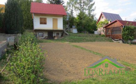 Rekr. chata s pozemkom - Nové Mesto n/V - Vinohrady