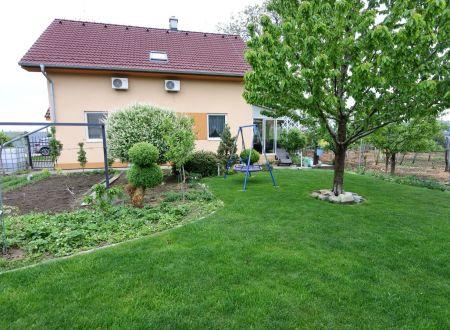 Exkluzívne APEX reality 5i. novostavba RD v D. Zeleniciach, 200 m2, dvoj-garáž, klíma, krb, pozemok 595 m2
