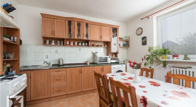 Predaj veľkého 5 izb. rodinného domu smožnosťou využitia ako dvojgeneračný.