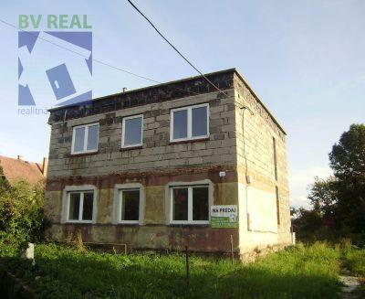 Na predaj 7 izbový rodinný dom 805 m2 Liešťany okres Prievidza 79047