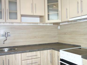 REZERVOVANE Na predaj pekný 1 izbový byt v Novej Dubnici, 26 m2