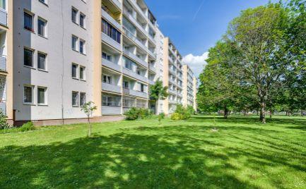 DOM-REALÍT ponúka, Na predaj 1,5i byt s priestrannou loggiou, Sputniková ul., Ružinov, Ostredky