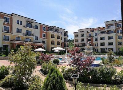 Investičný 1-izbový byt v apartmánovom rezorte len 50m od pláže v Sozopole-1.poschodie