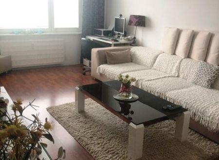 2 izbový veľkometrážny byt s balkónom!