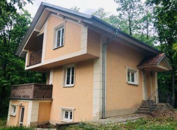 Krásna 3 podlažná chata v Kučišdorfskej doline - Pezinok