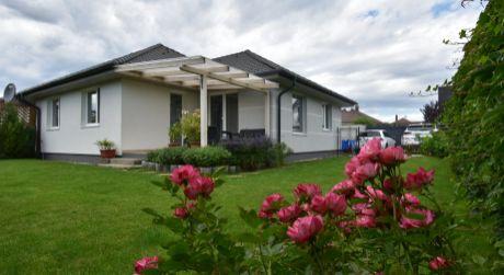 3add39ba9 Elegantný a vkusne zariadený 4 - izbový rodinný dom 88,96m2, pozemok 400m2,