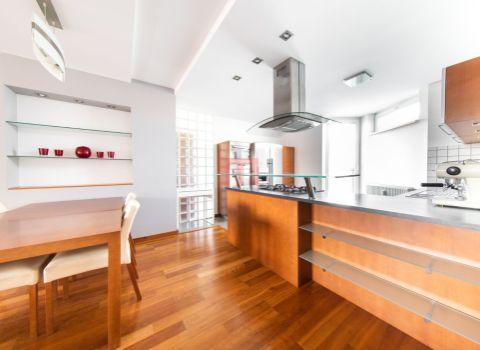 b11ee9e6d Na predaj nadštandardný 3 izbový byt 110 m2 s balkónom do dvora v centre  mesta na