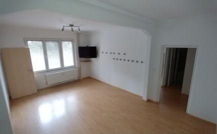 Na predaj zrekonštruovaný 2,5 izbový byt, v tichej lokalite v Ružinove.