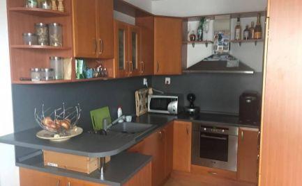Na prenájom pekný 2 izbový byt s balkónom v Senci