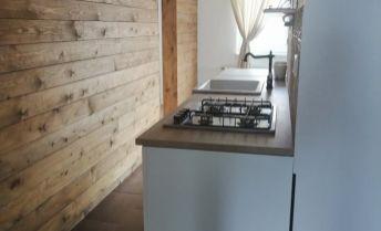 3-izbový kompletne prerobený byt s vôňou dreva v KN na predaj - nová cena