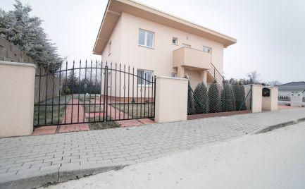 DOM-REALÍT ponúka, Pekný 3-izbový byt so záhradou, Bernolákovo, Brusnicová ul.