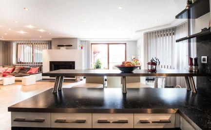 DOM-REALÍT ponúka, 5 izbový, dvojpodlažný Rodinný dom v Bernolákove, ul.Stredná