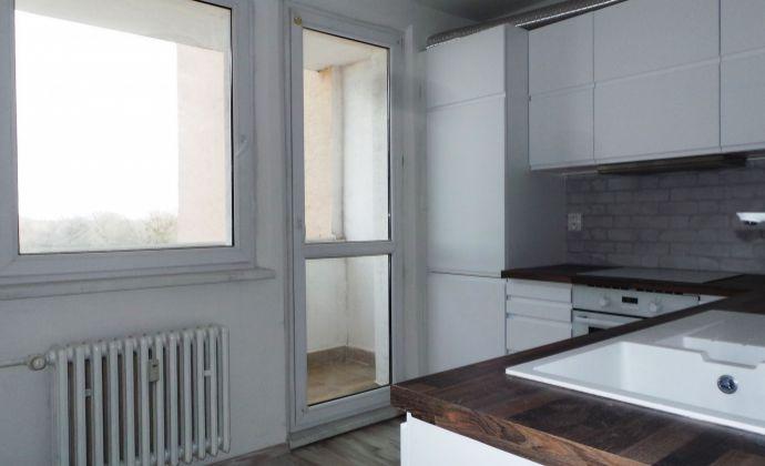 3 izbový byt, Bratislava - Petržalka, Mamateyova ulica - kompletná NOVÁ rekonštrukcia